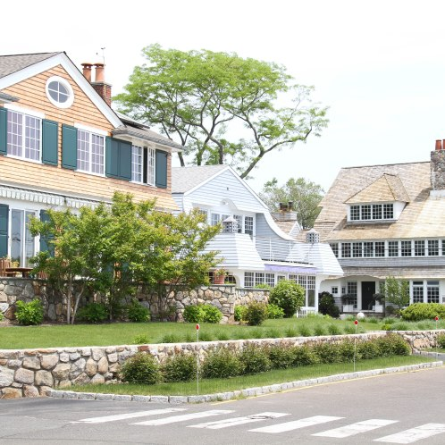 Colonial Homes, E Beach Rd